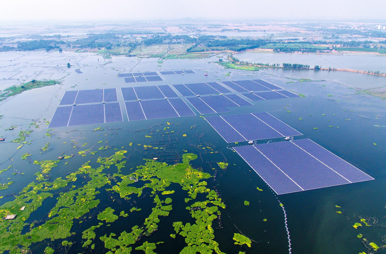 Les plus grandes centrales solaires flottantes du monde inaugurées en Chine