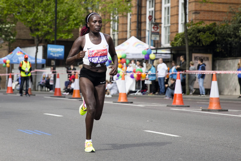 La Kényane Florence Kiplagat lors du marathon de Londres en 2017