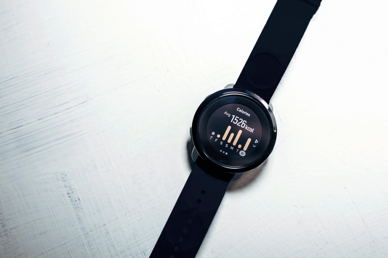Une montre connectée estimant la dépense énergétique
