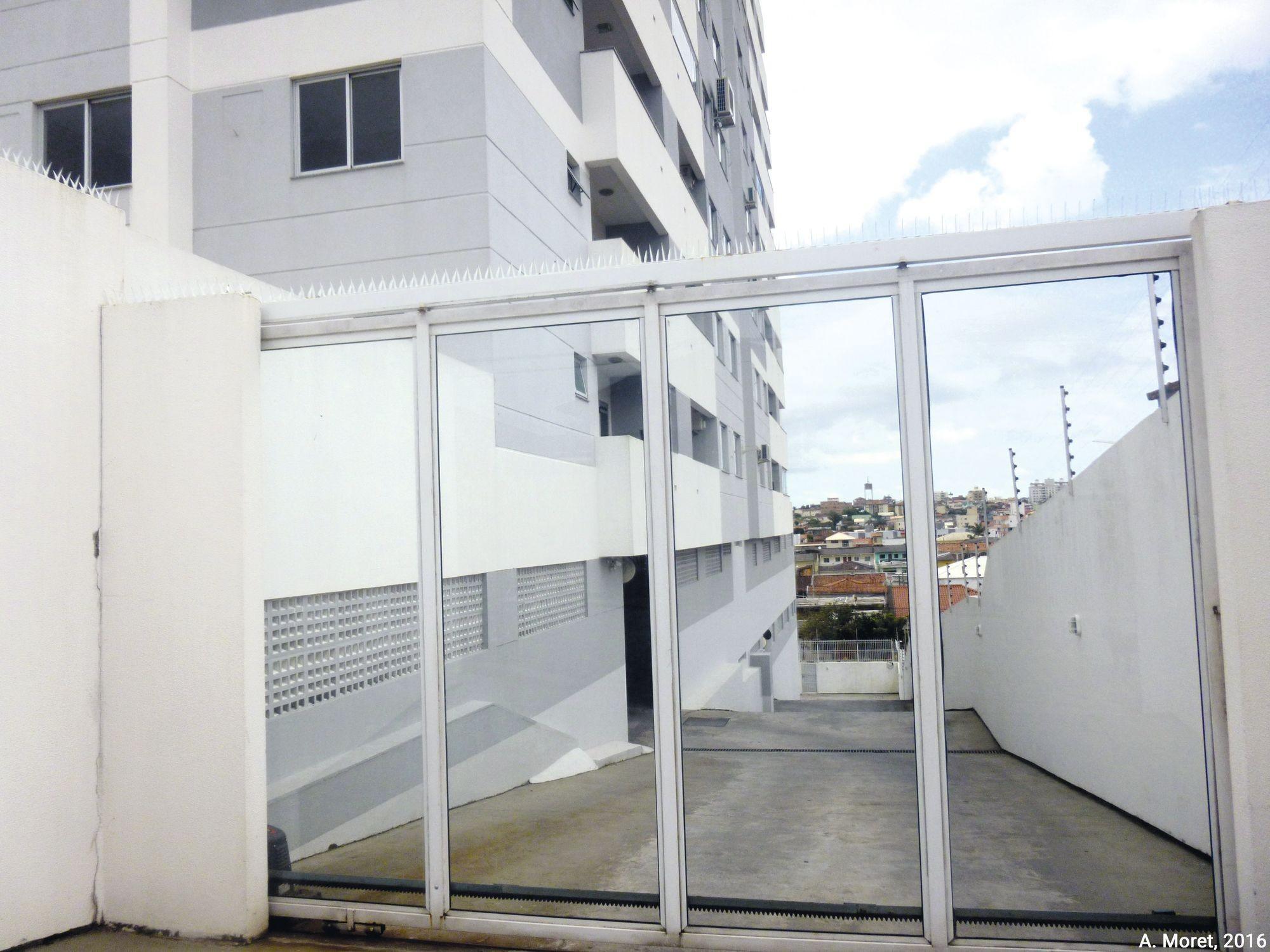 """Une """"gated community low cost"""" au Brésil"""