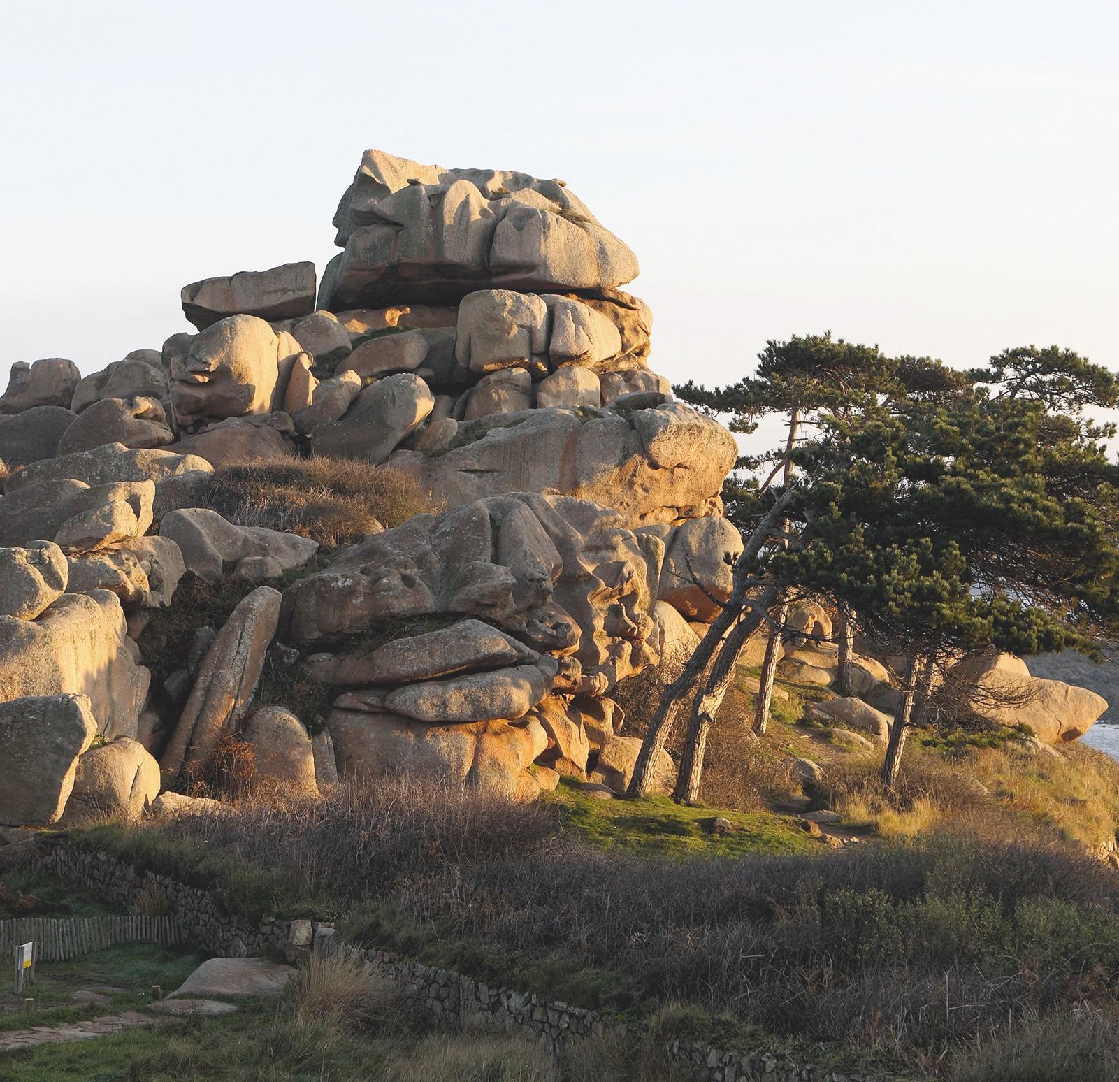 Un chaos granitique formé de boules de granite
