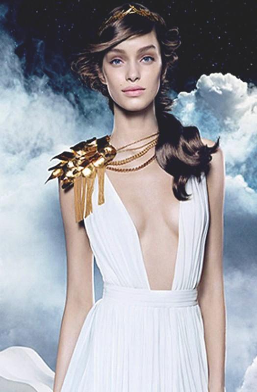 Publicités pour les parfums Olympéa, conçues par l'agence Mazarine Mlle Noï pour Paco Rabanne, 2015.