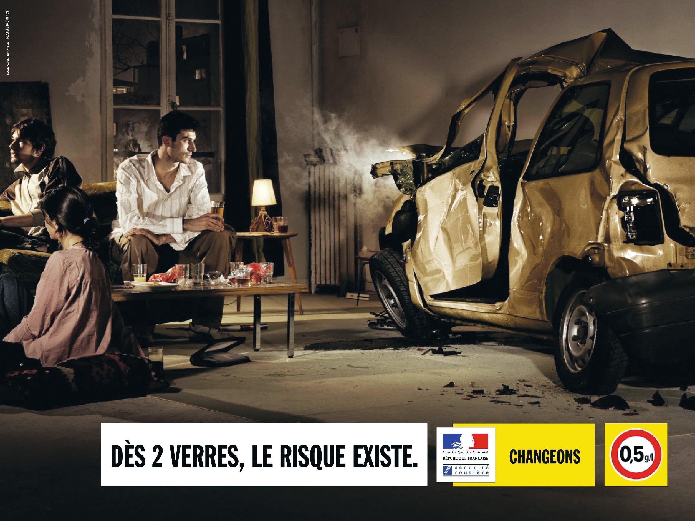 Affiche d'une campagne de sécurité routière.