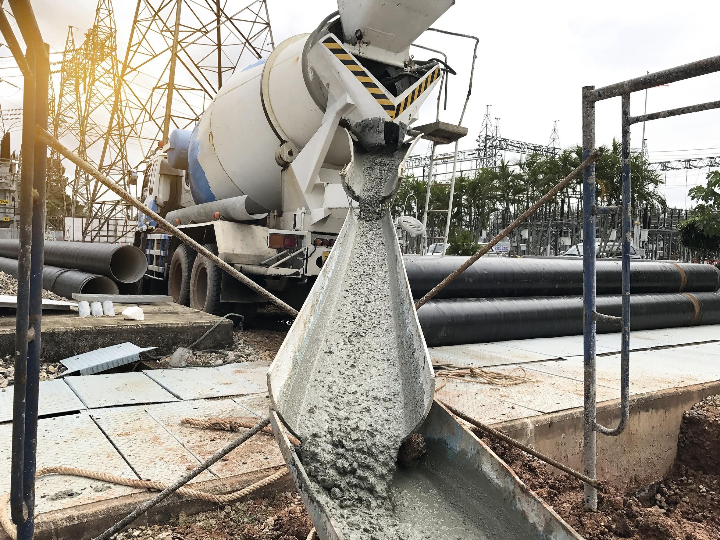 Le béton, un matériau utilisé quotidiennement en construction.