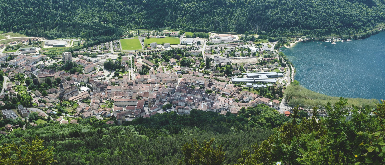 La ville de Nantua dans l'Ain.