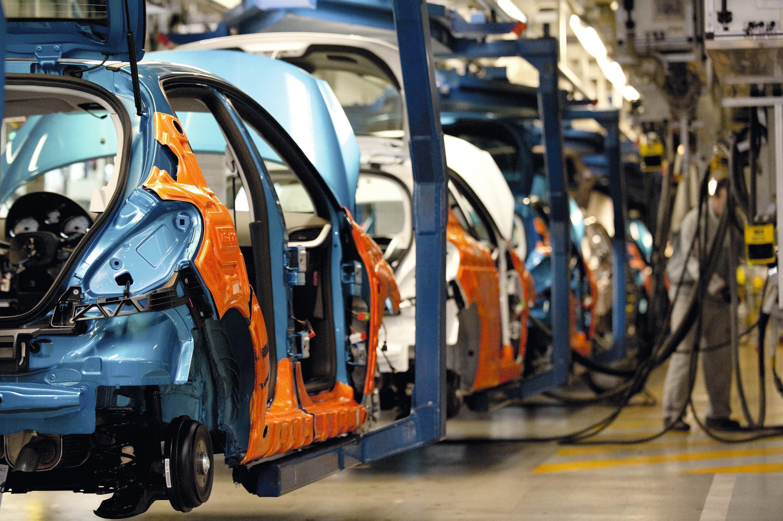 Usine d'assemblage de voitures Peugeot à Poissy.
