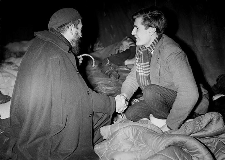 L'Abbé Pierre aux côtés des sans-abris (hiver 1954)