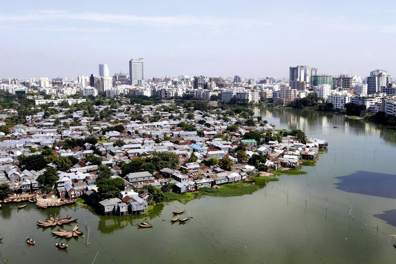 Un bidonville à Dhaka