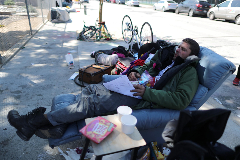 Un sans domicile fixe à Los Angeles, Californie.